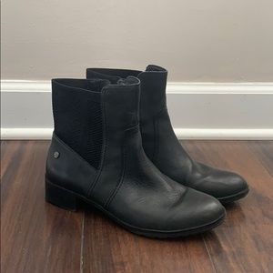 EUC Aetrex Kaitlyn Knit Leather Boot in Black